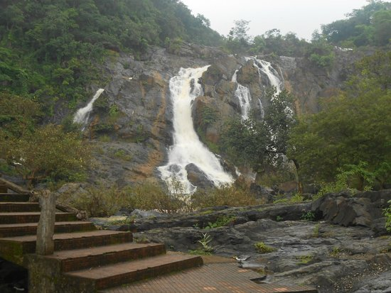 hirni-falls water fall in ranchi
